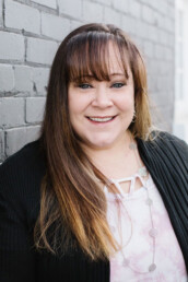 Sarah Warcup is a real estate agent in Lehi