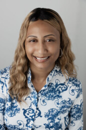 Chini Everett is a real estate agent in Henderson