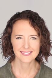 Jennifer Cottam is a real estate agent in Sandy, Utah