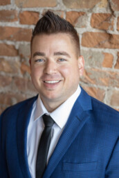 Michael Arave is a real estate agent in Ogden